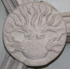 Le pot à feu de Charles de Bourbon, clef de voûte du château de Bouthéon (Auvergne)
