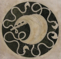 la devise de la voile de navire dans le décor du temple du Saint-Sépulcre de l'église Saint-Pancrace de Florence